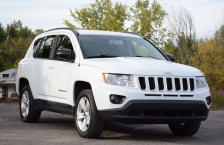 2011 Jeep Compass NORTH EDITION 4X4 A/C SIEGES CHAUFFANT CRUISE in Sept-Îles