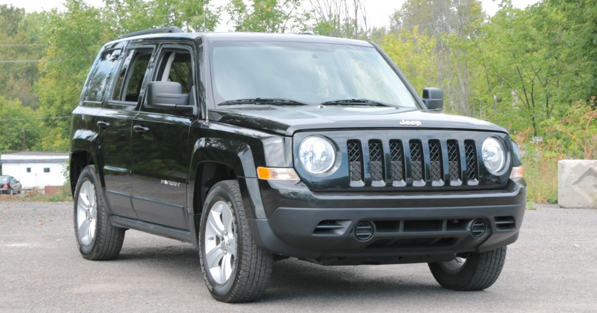 2011 jeep patriot usag e et d occasion vendre chez hgregoire saint j r me. Black Bedroom Furniture Sets. Home Design Ideas