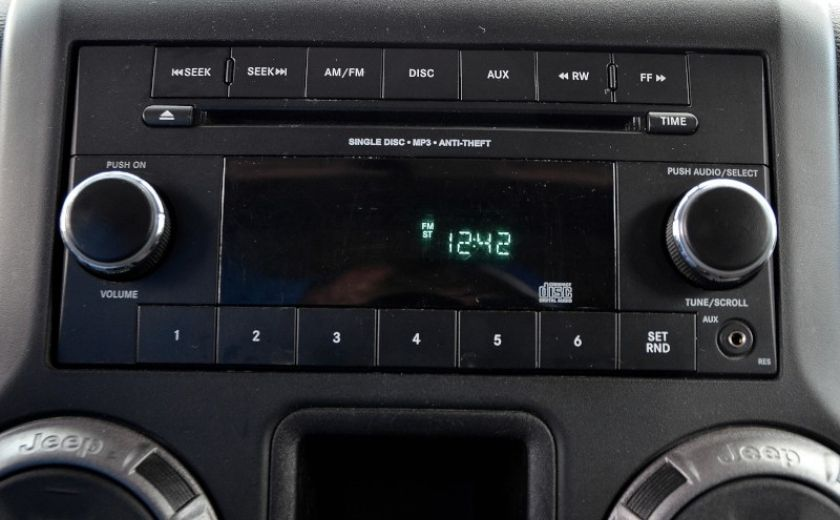 2013 Jeep Wrangler SPORT 2 PORTES 4X4 #12