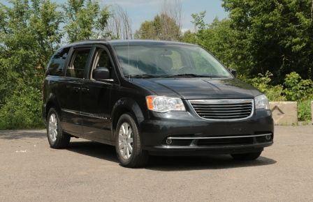 2014 Chrysler Town And Country Touring A/C STOW & GO in Sept-Îles