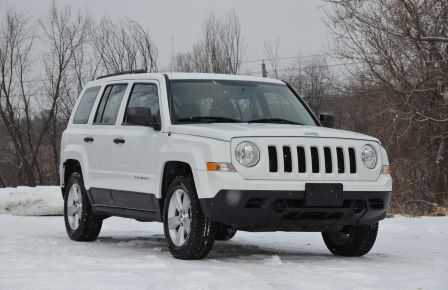 2011 Jeep Patriot NORTH EDITION A/C CRUISE 4X4 ABS à Sherbrooke