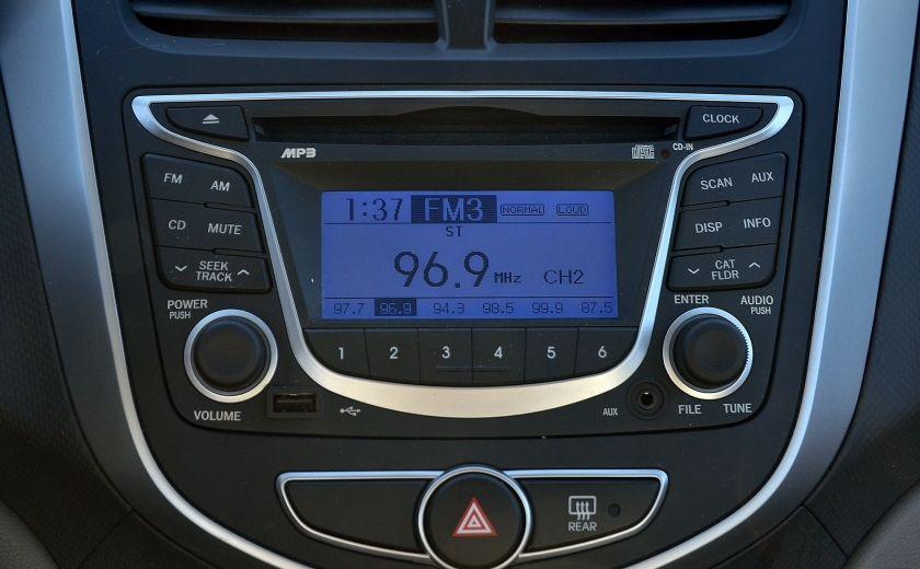 2013 Hyundai Accent L AUTO #16