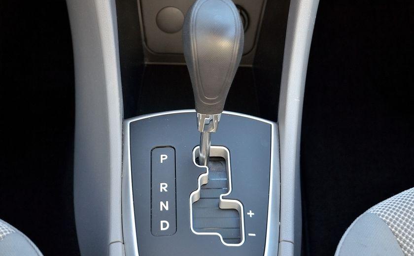 2013 Hyundai Accent L AUTO #17