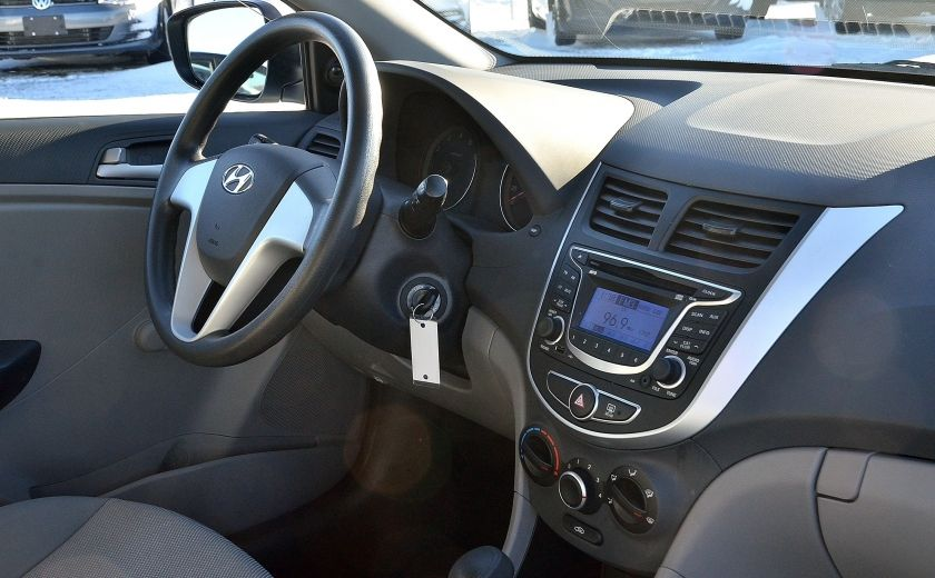 2013 Hyundai Accent L AUTO #21