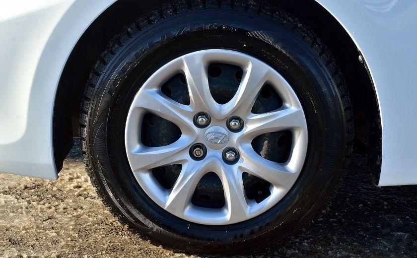 2013 Hyundai Accent L AUTO #27