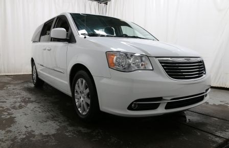 2014 Chrysler Town And Country Touring CAMERA DE RECUL HAYON ELECTRIQUE in Sherbrooke