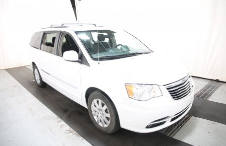 2014 Chrysler Town And Country Touring à Victoriaville