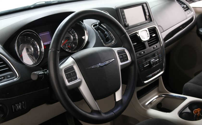 2014 Chrysler Town And Country Touring #6