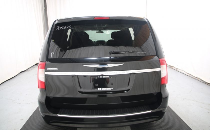 2014 Chrysler Town And Country Touring #4