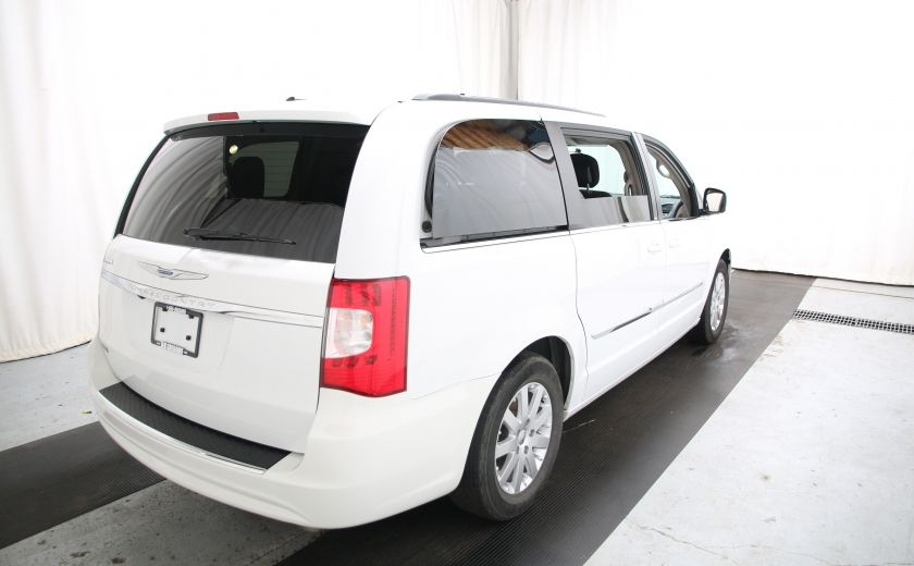 2014 Chrysler Town And Country Touring #5