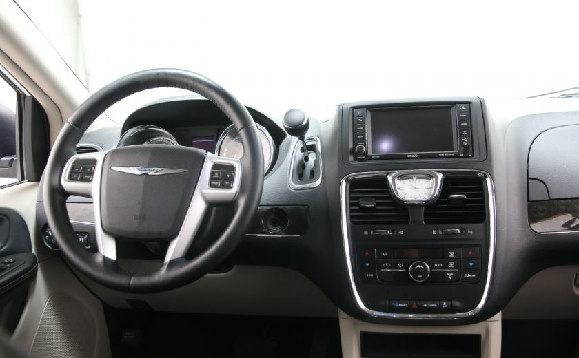 2014 Chrysler Town And Country Touring #11