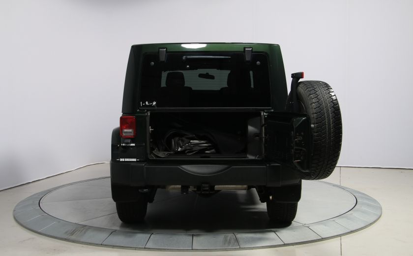 2012 Jeep Wrangler Sahara 4WD A/C GR ELECT 2TOITS MAGS #23