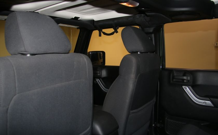 2011 Jeep Wrangler Sahara 4WD AUTO A/C 2TOITS MAGS #16