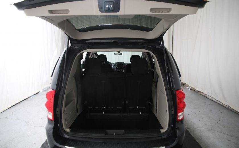 2013 Dodge GR Caravan SXT #24