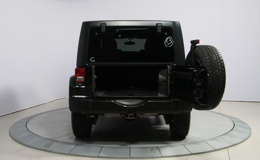 2011 Jeep Wrangler Sahara 2 TOITS #26