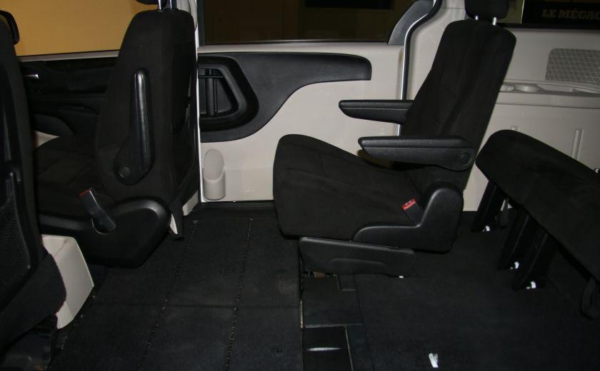 2013 Dodge GR Caravan SE STOW AND GO DOUBLE A/C MAGS #18