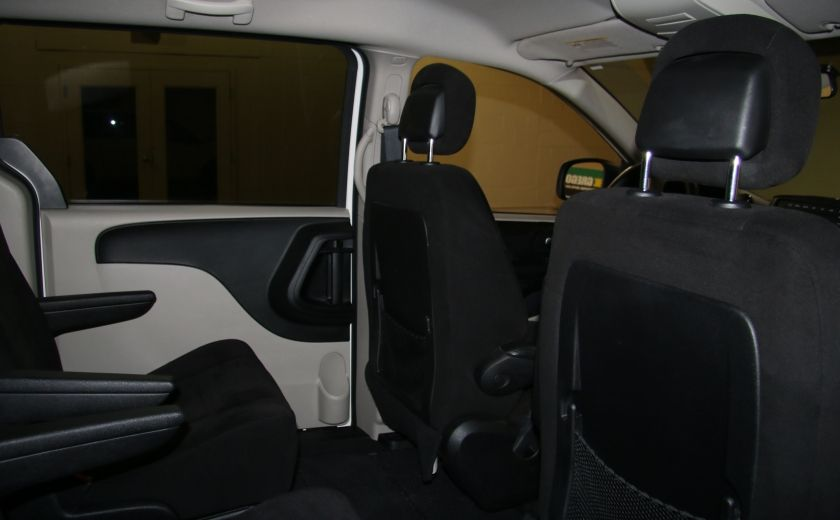2013 Dodge GR Caravan SE STOW AND GO DOUBLE A/C MAGS #20