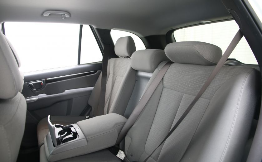 2010 Hyundai Santa Fe GL #13