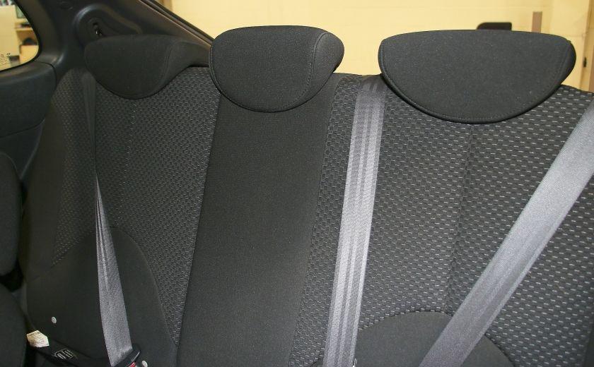 2010 Hyundai Accent L AUTO #14