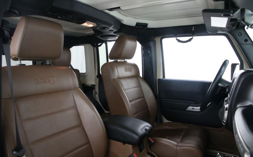 2011 Jeep Wrangler Sahara #19