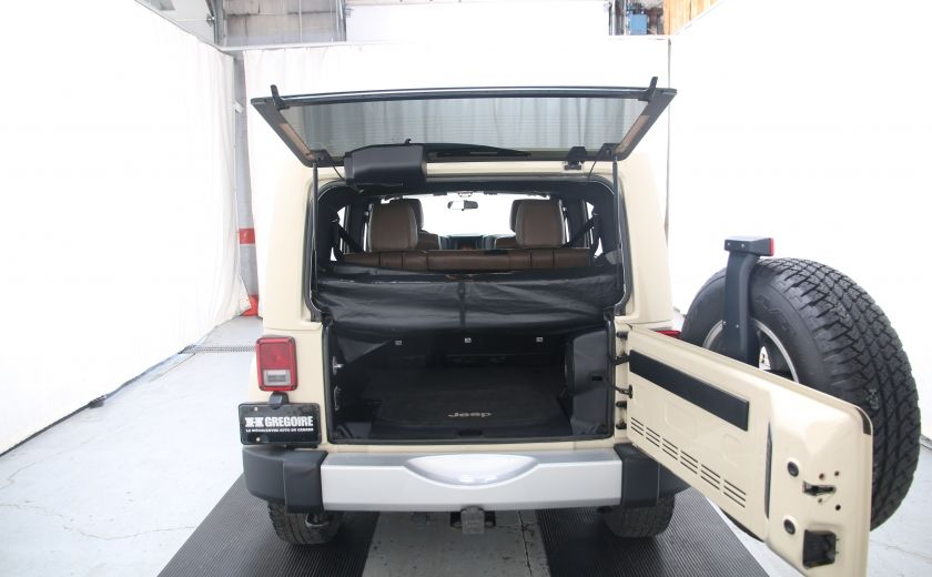 2011 Jeep Wrangler Sahara #22