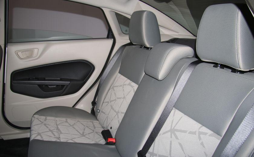 2012 Ford Fiesta SE A/C GR ELECT #16