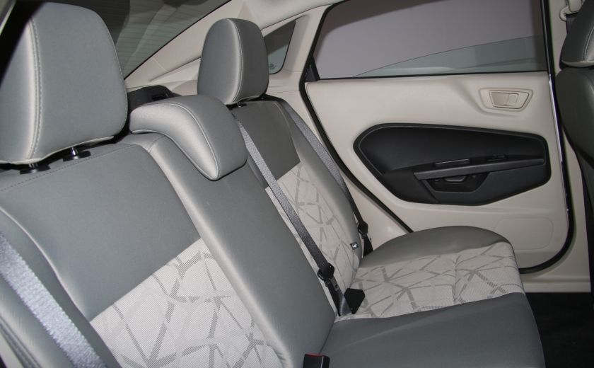 2012 Ford Fiesta SE A/C GR ELECT #18