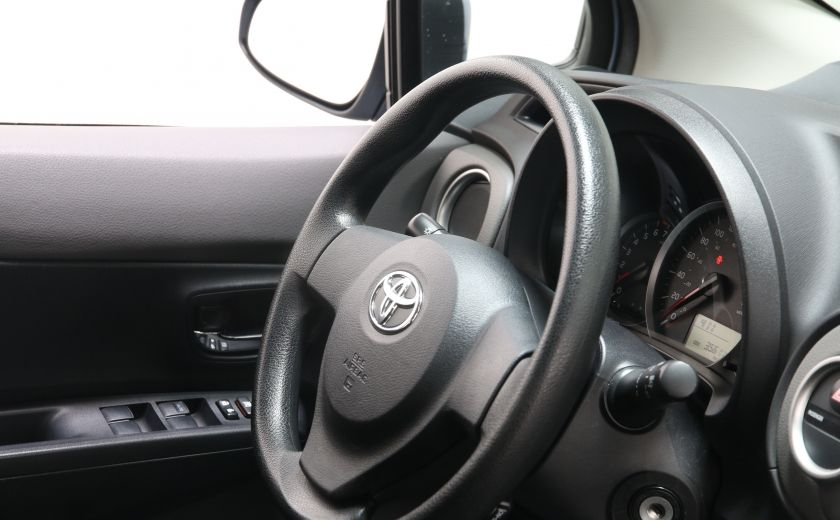 2014 Toyota Yaris LE #17