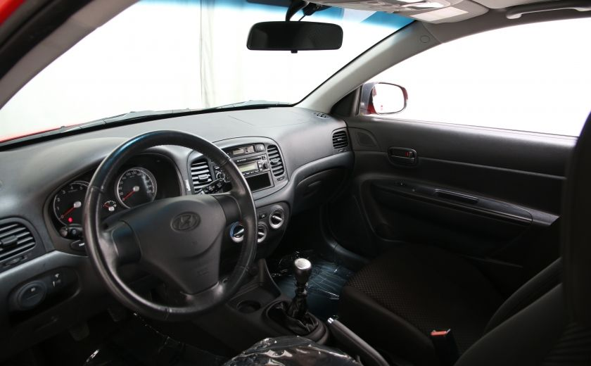 2010 Hyundai Accent GL #8