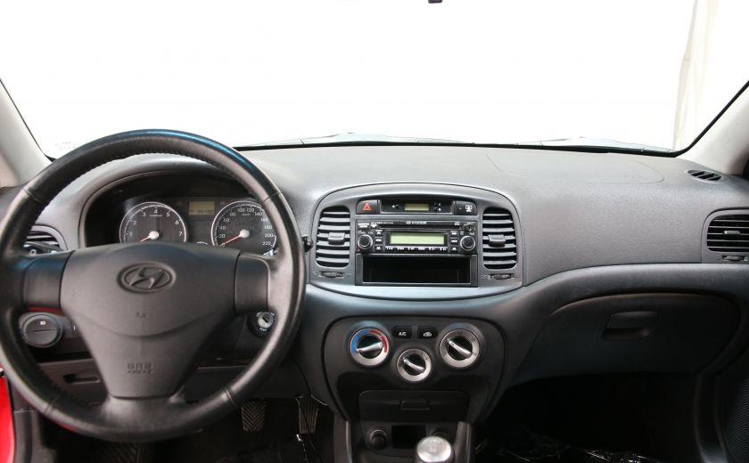 2010 Hyundai Accent GL #11