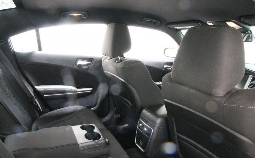 2016 Dodge Charger SXT #16