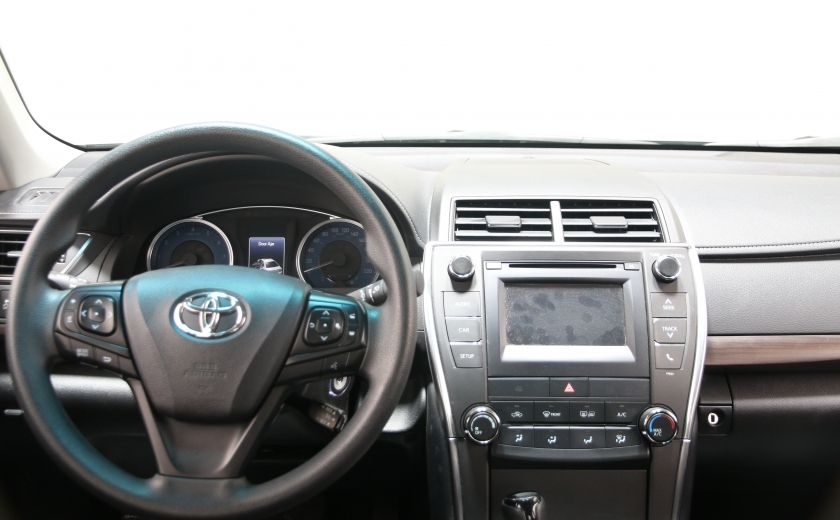 2016 Toyota Camry LE #10