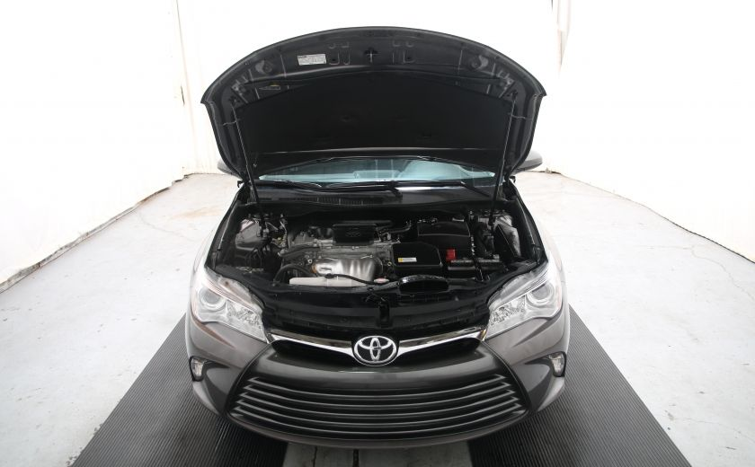 2016 Toyota Camry LE #19