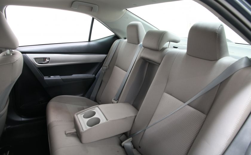 2015 Toyota Corolla LE #15