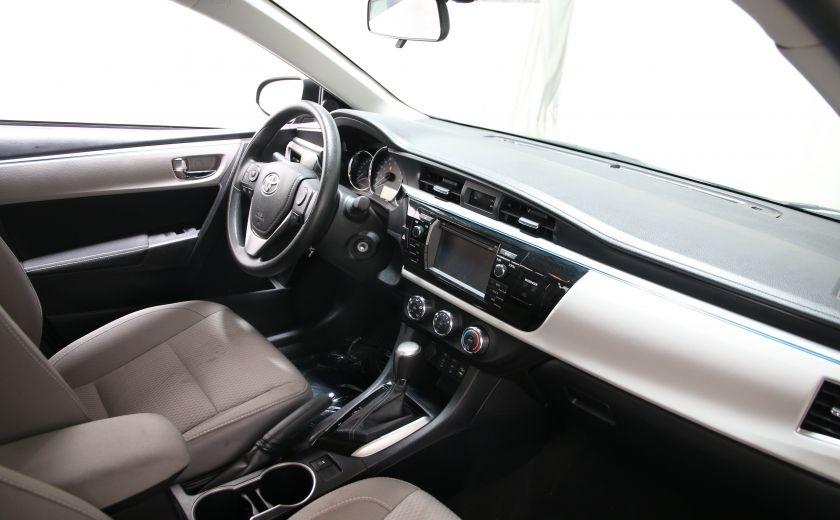 2015 Toyota Corolla LE #18