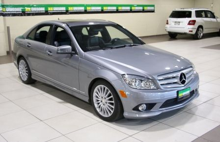 2010 Mercedes Benz C250 4MATIC AUTO A/C CUIR TOIT MAGS in Longueuil