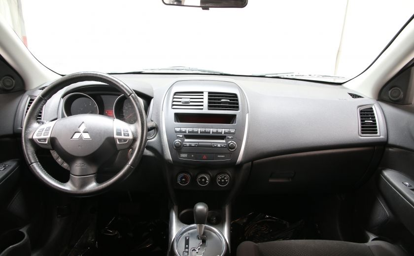 2013 Mitsubishi RVR SE #9