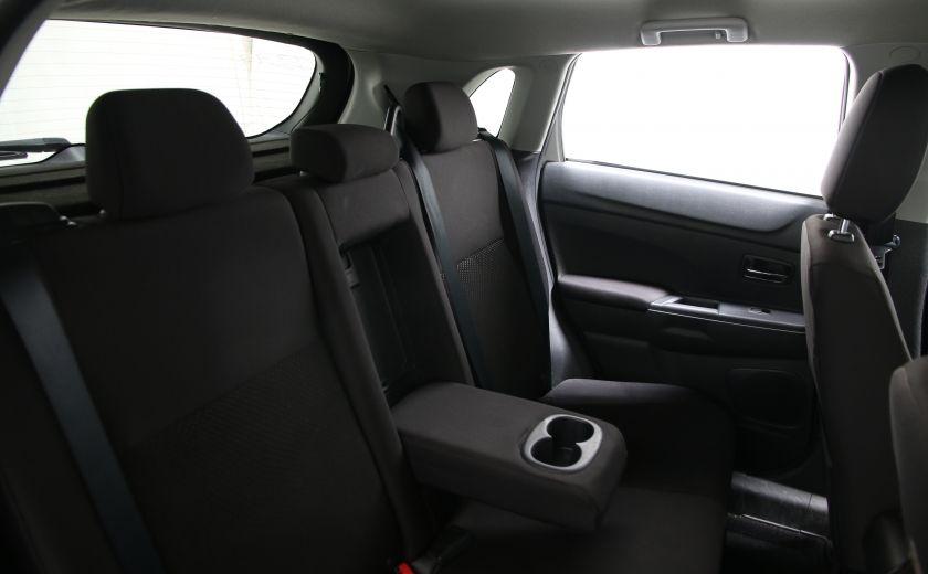 2013 Mitsubishi RVR SE #16