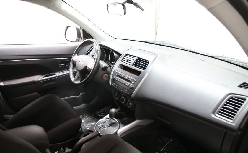2013 Mitsubishi RVR SE #17