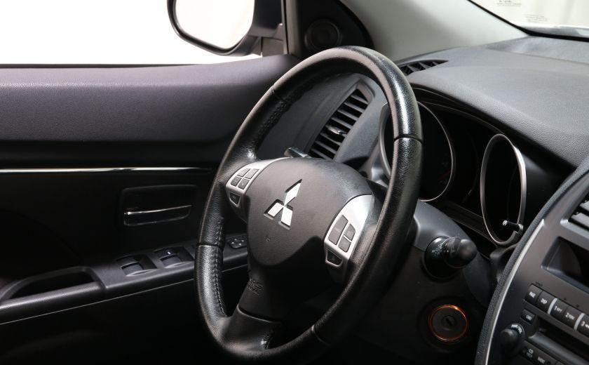 2013 Mitsubishi RVR SE #18