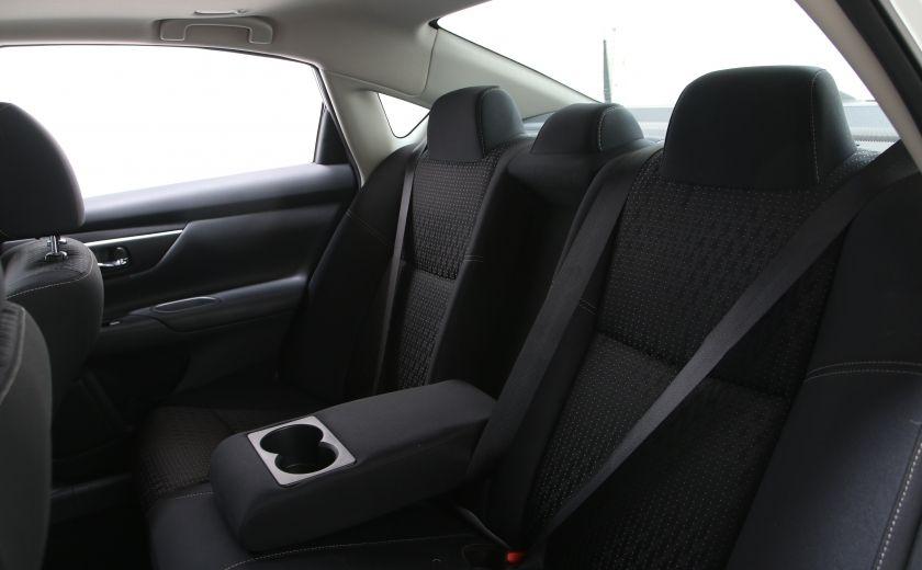 2016 Nissan Altima 2.5 SV #16