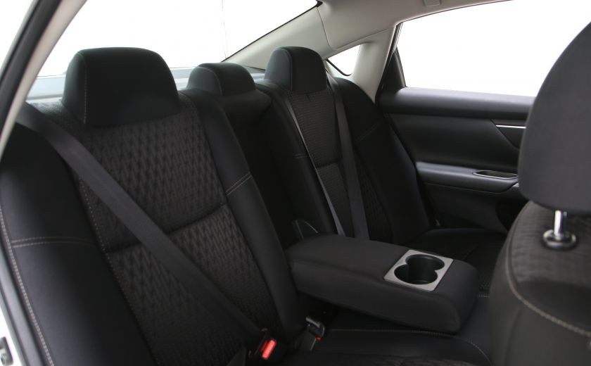 2016 Nissan Altima 2.5 SV #18