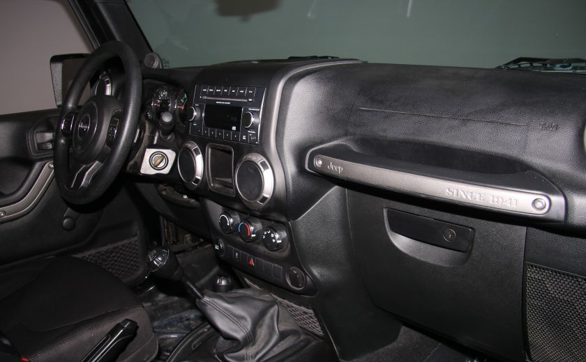 2014 Jeep Wrangler Sport 4WD #17