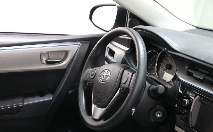 2015 Toyota Corolla LE #19