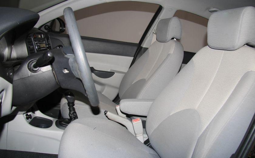 2009 Hyundai Accent L #9