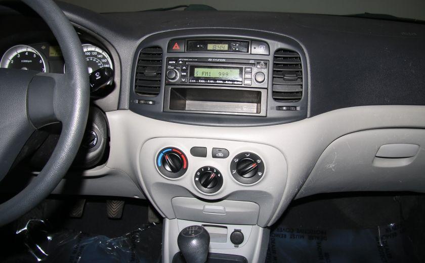 2009 Hyundai Accent L #13