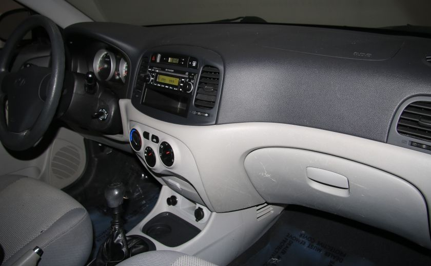 2009 Hyundai Accent L #18