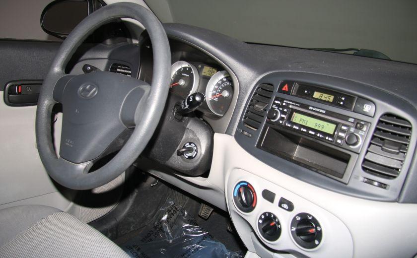 2009 Hyundai Accent L #19