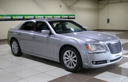 2013 Chrysler 300 Touring AUTO A/C CUIR TOIT PANO MAGS CHROME in Granby