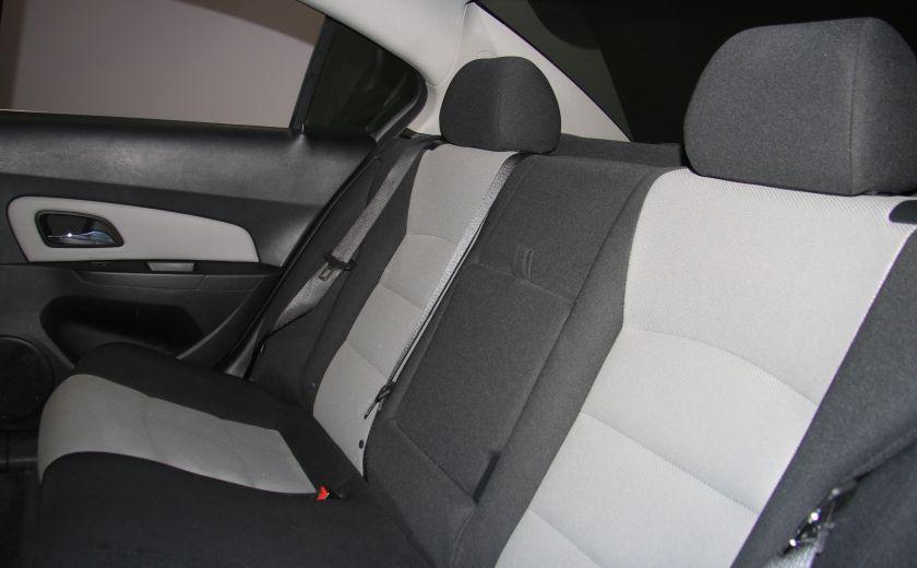 2012 Chevrolet Cruze LS A/C GR ELECT #17